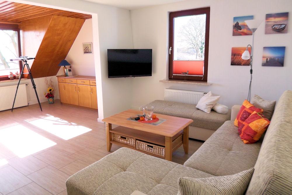 ruegen-ferienwohnung-3-seeblick-wohnzimmer