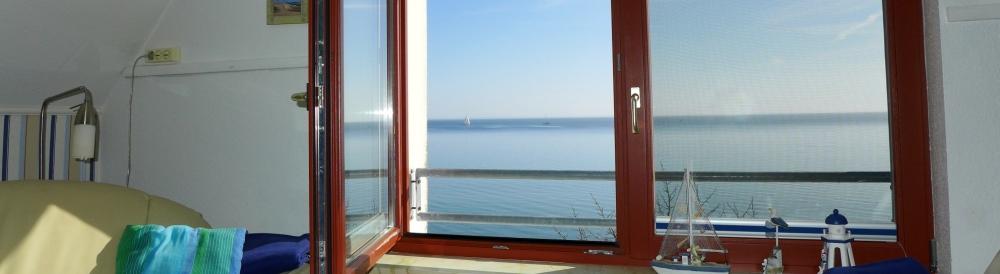 Alte-Bootswerft-Sonnendeck-mit-seeblick