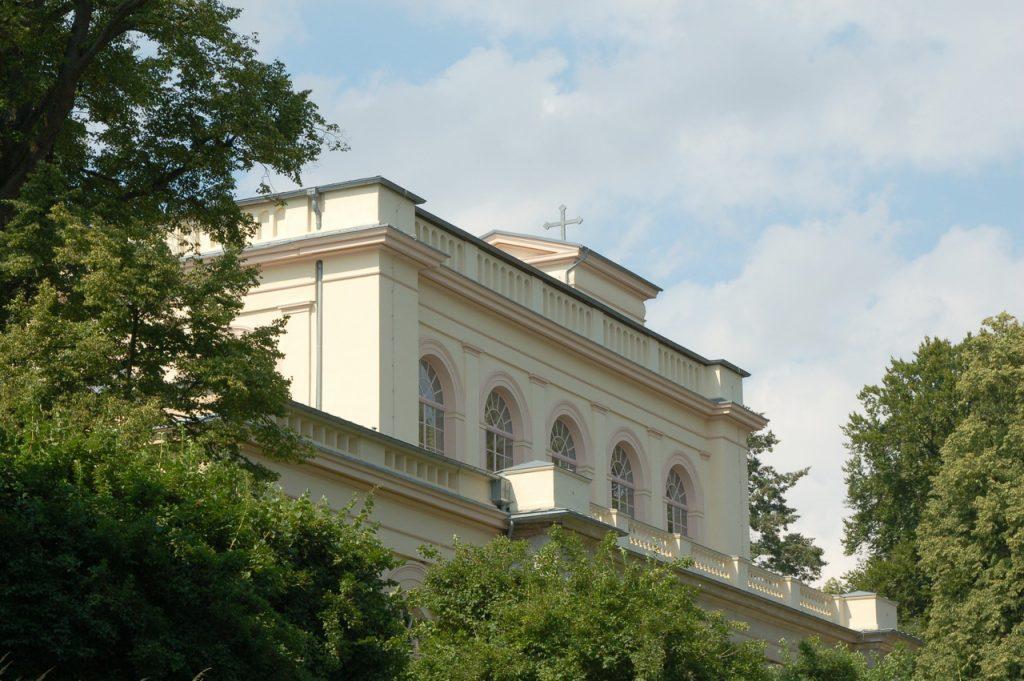 kirche-im-park-putbus